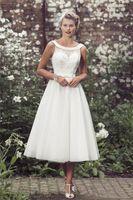 robe de mariée perles ivoire longueur thé achat en gros de-2019 pas cher dentelle élégante longueur du thé robes de mariée pure perlé cristal ivoire tulle col dégagée pays style jardin robes de mariée plus la taille