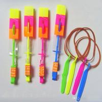 pfeile kostenlos großhandel-Schönes Neon-LED-Licht Erstaunlicher elastischer angetriebener LED-Pfeil-Hubschrauber-glänzender Raketenblitz-Hubschrauber-Pfeil-Hubschrauber Freies Verschiffen ak134