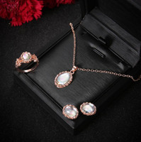 2018 High quality shiny Bridal Jewelry Wedding Bridal Rhinestone Accessories Necklace and Earring Ear Stud Style 4 Pieces Sets 18K gold