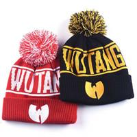 chapéu de inverno wu tang venda por atacado-Alta Qualidade Inverno Wutang Letra CLAN Musice Beanie Skullies Mulheres De Malha Wu Tang Chapéu HipHop Pompom Quente Chapéus Bonés de Ouro