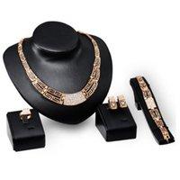 conjunto de joyas de moda 18k al por mayor-Diseñador de joyas de lujo conjunto de joyas para joyería de bodas 18 k color dorado collar pulseras aretes anillos para las mujeres de moda