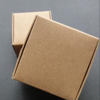 kurabiye kutuları toptan satış-Toptan 9.5 * 9.5 * 3.5 cm Kraft Kağıt Ambalaj Kutusu Hediye Kutusu Sabun Düğün Şeker Takı Kek Kurabiye Çikolata Pişirme Ambalaj Kutusu