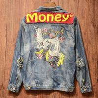 diseño de chaqueta de jeans para hombres al por mayor-Moda Denim Jacket Men Designs Money Print Patch Blue Jean Jacket para hombres Hip Hop Agujero desgastado Denim Chaquetas