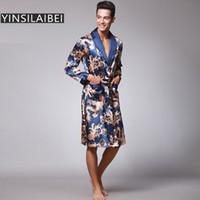 kimonos masculinos al por mayor-Ropa para dormir de los hombres del dragón bata masculina más el tamaño de los hombres bata de satén de seda de imitación camisón Kimono Homme ropa de casa para los hombres SY109 # 10