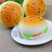 ingrosso burger squishy-Nuova simulazione Lento Rising Jumbo Sesame Hambuger Burger Sacchetto di Fascino Squishy Decorazioni Giocattoli Decompressione 7 cm spedizione gratuita