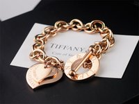 ünlü altın zinciri toptan satış-Yüksek Kalite Ünlü tasarım Gümüş Altın Zincir bilezik Kadınlar Mektup Kalp şeklinde Bilezikler Takı Ile toz torbası Kutusu
