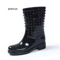 ingrosso donne colorate stivali-Koovan Rain Boots 2017 Fashion Rivetti Colorful Rain Boots da donna Warm antiscivolo per le donne Nuova promozione del prodotto