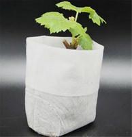 paquet d'approvisionnement achat en gros de-100pcs / Pack Fournitures de jardin Protection de l'environnement Pépinière Pots Semis Levage Sacs 8 * 10cm Tissus