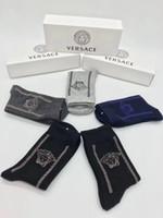 novas meias de design venda por atacado-Deusa Projeto VE Carta Meias Casal Algodão Meias de Alta Qualidade Moda New Street Sport Longo Meias