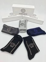 ingrosso calze di progettazione nuove-Goddess Design VE Letter Socks Couple All Cotton Calze di alta qualità New Street Sport Calze lunghe per la moda