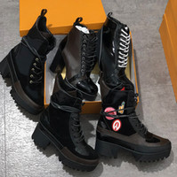 Wholesale rubber soled heels resale online - World Tour Desert Boot designer women boots Platform Boot Spaceship Ankle Boots cm Heel flamingos medal martin boots heavy duty soles w01