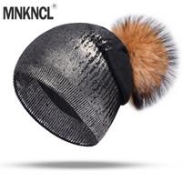kaliteli mink şapkaları toptan satış-Kadınlar Için MNKNCL Yüksek Kaliteli Kaşmir Kış Şapka Kız Gümüş Örme Şapka Gerçek Tutmak Ile Sıcak Beanies Pompom Şapkalar
