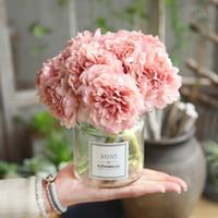 flores falsas buquês venda por atacado-6 Cores Artificial Rose Flores Peônia Buquê para Decoração de Casamento 5 Cabeças Peônias Flores Falsas Decoração de Casa De Seda Hortênsias Flor Barato
