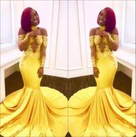 sarı balo gece elbiseleri toptan satış-2018 Siyah Kızlar Sarı Kapalı Omuz Saten Mermaid Uzun Gelinlik Modelleri Sheer Uzun Kollu Dantel Aplike Örgün Parti Abiye