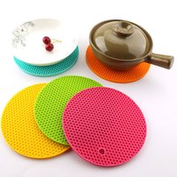 Wholesale bees tools - Food Grade Silicone Meal Pads Non-slip Heat Resistant Mat Thicken Bee House Shape Anti Scalding Coasters Home Kitchen Tool HH7-390