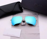 Wholesale business premiums - High-end Brand Brand Synchronization Fashion Men and Women Driving Business Travel Sunglasses Premium Gift Valentine Day Gift glasses MJ7021