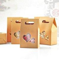 ingrosso finestra del cuore del contenitore di regalo-25pcs 100x155mm pieghevole Kraft Paper Handle Box naturale Kraft Paper Gift Packaging Box Party Paper Heart Window Box