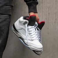 productos de calzado de calidad al por mayor-barato Zapatos de los productos calientes 5s Red Suede Blue Suede Men Basketball Shoes Zapatos de alta calidad 5s Men Training Sneaker Size Us 8-13