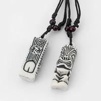 colgantes de hueso tallado collares al por mayor-Dropshipping 12 unids Mens blanco Tribal Yak hueso tallado Tiki hombre Totem collar colgantes 51x18 mm