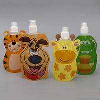 tier karabiner großhandel-Tragbare Cartoon Tier Form Reise Falten Wasserflasche Wasserkocher 300 ml PVC Trinksack mit Karabiner wen5855