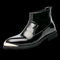 spitzen zehenstiefel für männer großhandel-JNNGRIOR Spitzschuh Lackleder Herren Stiefel Kette Frühlingsmode Botas Hombre High Top Schuhe Ankle Motorradstiefel