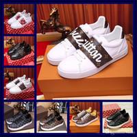 ingrosso scarpe sportive di decorazione-Caldo! Luxury Noble Designer Uomo Donna Sneaker Scarpe casual Qualità vera pelle decorazione farfalla Sneakers Ace Shoes Sport