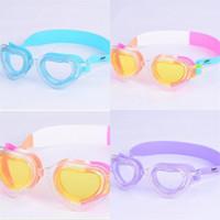 nueva forma de gafas al por mayor-Nuevo Patrón Niños Gafas Creativas En Forma de Corazón Kid Boy Girl Impermeables Gafas de Natación Claro Anti Niebla PC Lente Gafas Venta Caliente 8ak Y