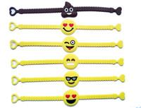 armband begünstigt großhandel-Pawliss Emoji Armbänder Armband Geburtstag Party Favors Supplies für Kinder Mädchen Emoticon Spielzeug Preise Geschenke Gummiband Armband