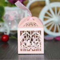 kalp kutuları kurdeleler toptan satış-150 adet Aşk Kalp Beyaz Kuş Kafesi Küçük Lazer Hediye Şeker Kutuları Düğün Favor Şerit Çanta Ile Dekor Pembe