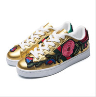 Wholesale 3d Flower Lace Fabric - 2018 Luxury New Men Women Low Top Casual Shoes Fashion Designer Flower 3D Embroidery Sneakers 3 Color Flats Free Shipping