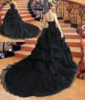 schwarzes, trägerloses korsettkleid großhandel-Gothic Black Ballkleid Brautkleider 2018 Trägerlos Perlen Drapiert Ärmellos Lace Up Korsett Zurück Brautkleid Gericht Zug