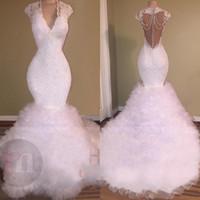 beyaz akşam elbisesi kabarması toptan satış-2018 Beyaz Gelinlik Modelleri V Boyun Mermaid Dantel Aplikler Boncuklu Kristal Backless Sweep Tren Tül Kabarık Katmanlı Balo Abiye giyim Vestidos