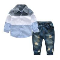 gömlekler toptan satış-Wholesal-New Moda Çocuk BoysGiyim Set Bahar Bebek Erkek Set Uzun Kollu Gömlek + Gençler için Kot 2 Adet Lot Erkek Giysileri Yırtık