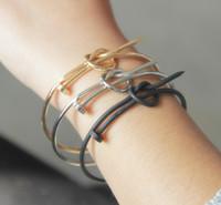 bijoux d'amour cool achat en gros de-Vis bracelets pour femmes hommes amour bracelet mode minimaliste poignet mode bijoux cool or / argent / noir cuivre fait noeud noeud bracelet