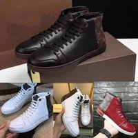 Wholesale mens italian sneakers resale online - Classic Fashion Mens High Top Shoes Man Autumn and Winter Genuine Leather Flat Heels Casual Sneaker Boots Made in Italian Lace Up Size