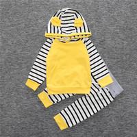 sudadera con capucha amarilla 3t al por mayor-Trajes de bebé Ropa de dormir para niño bebé Conjunto de sudadera y leggings con rayas azules y azules de Boy