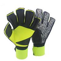 guantes amarillos de futbol al por mayor-Emulsión completa Guantes de portero Protección de los dedos Hombres profesionales Guantes de fútbol Adulto Más grueso Portero Deportes de fútbol Guantes de calidad superior
