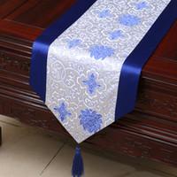 chinesische silk dekorative blumen großhandel-Happy Flower chinesischen Seidenstoff Tischläufer Satin Esstisch Pads dekorative Rechteck Damast Tischdecke Läufer 230 x 33 cm