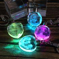 led kolye ışık k9 toptan satış-Özel K9 Kristal Anahtarlık Kişiselleştirilmiş Fotoğraf Kolye Resim DIY Anahtarlık Lazer Kazınmış LED Işık Anahtarlık Benzersiz Hediye