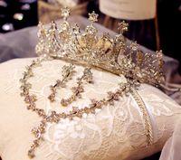 tiaras del desfile de la vendimia al por mayor-2018 Vintage Crystal Tiara accesorios para el cabello nupcial para la boda Quinceañera Tiaras y desfile Rhinestone faux de tres piezas Hairbands