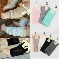 leggings de encaje al por mayor-Niños pequeños bebés bebés ahuecan hacia fuera los calentadores de la pierna de encaje con botones de algodón botas puños calcetines niños leggings A023