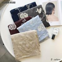 простые белые шарфы для женщин оптовых-Новый цветок вышивка шарф белый цветочный дизайн равнина Макси хиджаб хлопок шарфы элементарные женщины исламские шарфы Марка 5color