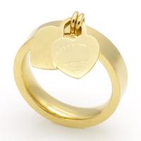 placas de titânio venda por atacado-Moda jóias 316L titanium banhado a ouro em forma de coração anel T carta letras duplo anel de coração anel feminino para a mulher