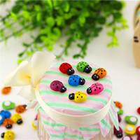 venta de refrigeradores al por mayor-Venta caliente de madera de colores mini Ladybug Cartoon pequeña dama escarabajos Imán de nevera DIY escarabajo micro-paisaje decoración multi-carne T3I0130