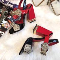 nuevos tacones de verano al por mayor-Nuevas sandalias para mujer Cool Summer Gladiators Zapatillas de mujer de cuero genuino Tacón grueso