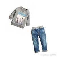 kız kot pantolon toptan satış-Yeni Bahar Sonbahar Bebek Çocuk Giysileri Takım Erkek Kız Mektup Tops Kazak + Kot 2 adet Çocuk Kıyafetler Set 4181