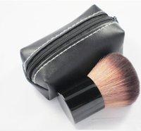 bulutlayıcı fırça deri çanta toptan satış-Çok Satan Makyaj 182 rouge brush \ allık fırçası + Deri çanta M182 Hızlı DHL ücretsiz kargo Mükemmel kalite