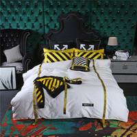 ingrosso biancheria da letto di colore giallo-Biancheria da letto a righe nere e gialle con sigillo di avvertenza Europa e copriletto di moda in america. Copripiumino ricamo di alta qualità