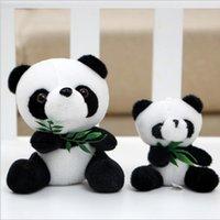 desenhos animados da panda do natal venda por atacado-Adorável Panda Brinquedo de Pelúcia Boneca de casamento Urso Do Bebê Presente de Natal de Aniversário 20 cm 30 cm Escalada Crianças Crianças Animal Dos Desenhos Animados Urso Brinquedos