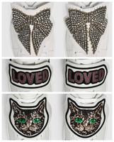 ingrosso amore patch-Decorazioni per scarpe rimovibili sul retro, una coppia di scarpe con più stile, Tiger Blind Butterfly For Love Cat Patch